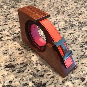 Belt Display Holder in Royal Mahogany